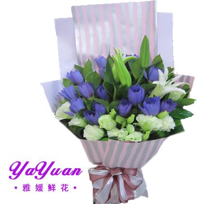 包 装: 淡紫色和条形牛皮纸高档扇形包装,白灰丝带蝴蝶结